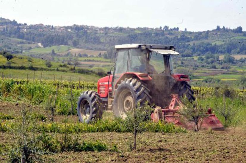 Παρατείνεται-η-ισχύς-αδειών-οδήγησης-αγροτικών-μηχανημάτων