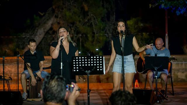 Τέσσερις-νέες-«σπιτικές»-συναυλίες-στο-cosmopolis