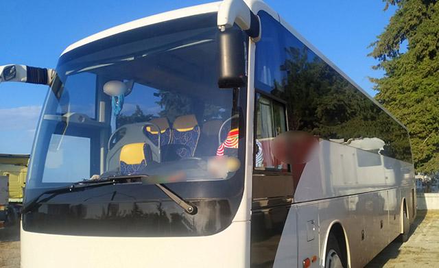 Επιβίβαζαν-στο-λεωφορείο-30-παράνομους-μετανάστες