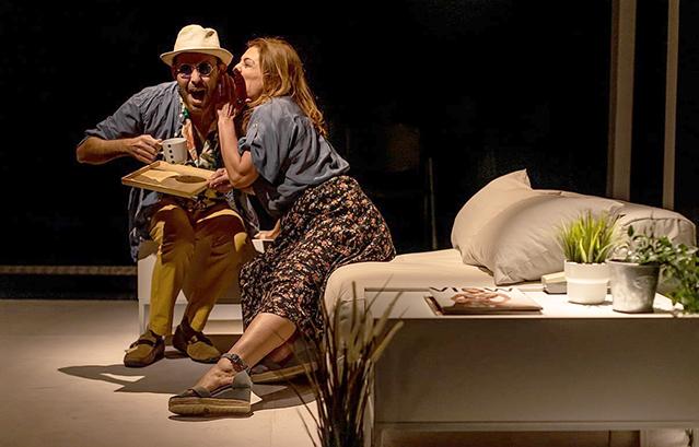 Το-καθαρό-σπίτι-της-sarah-ruhl-στο-θέατρο-«Τ»!-Επιτέλους,-ζωντανό-θέατρο!